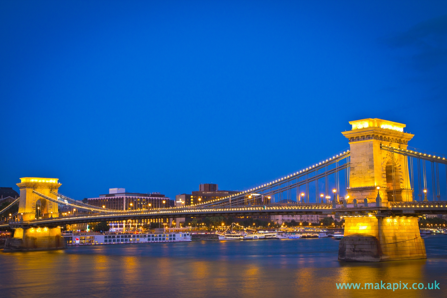 Chain Bridge, Budapest at sunset