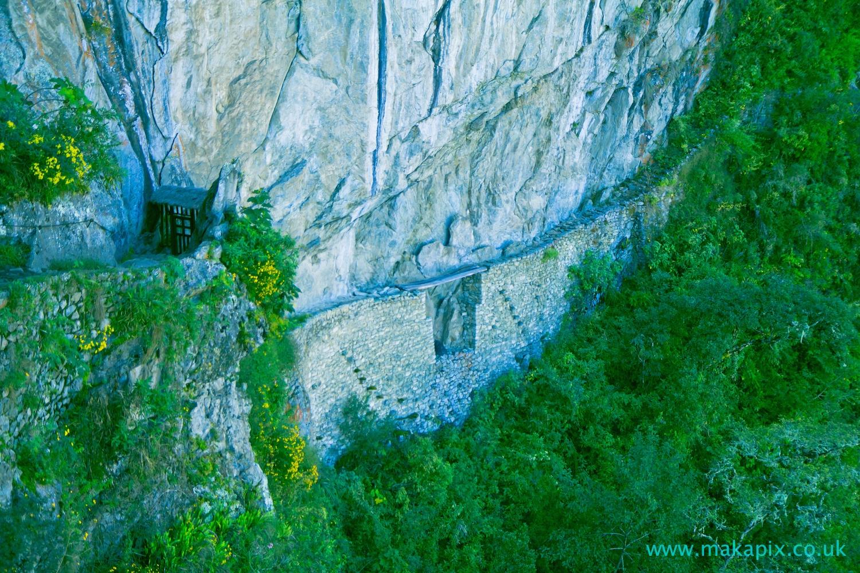 Machu Picchu- Inca Bridge